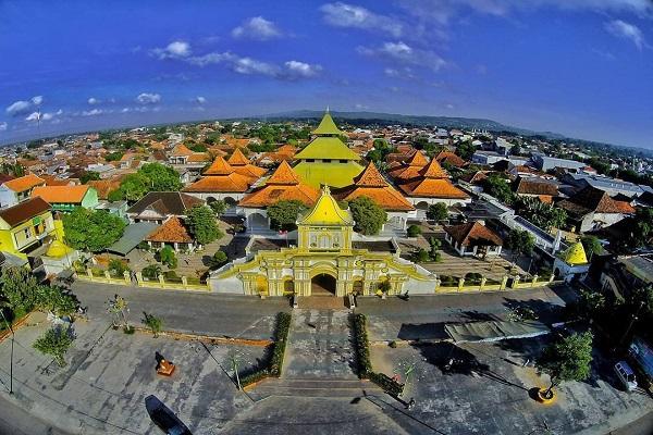 Masjid Agung Sumenep Destinasi Religi Unik Madura Tripmadura Wisata Kab