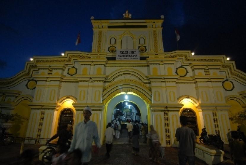 Masjid Agung Sumenep Karya Pendatang Cina 1 Republika Online Bergaya
