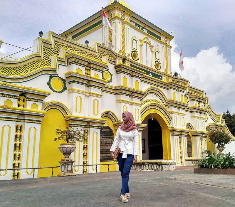 Ngabuburit Asyik Yuk Jalan 15 Masjid Indah Unik Berkunjung Madura