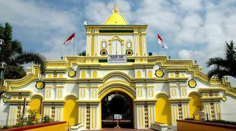 Jalan Madura Menikmati Wisata Sejarah Sumenep Masjid Jamik Wisatasumenep Museum