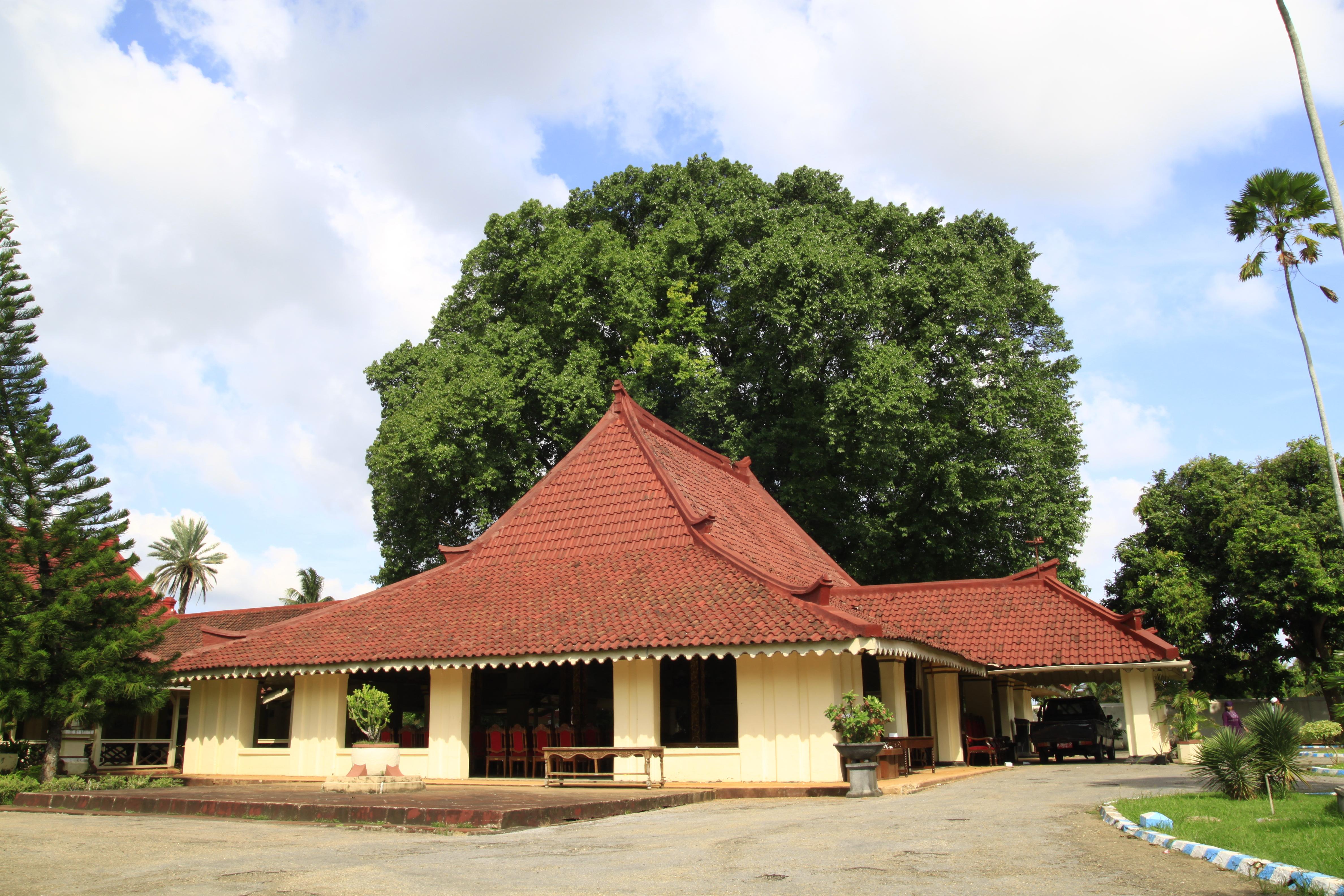 Keraton Potre Koneng Sumenep Madura Image Museum Kab