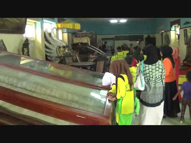 Libur Sekolah Museum Keraton Sumenep Ramai Pengunjung Pojok Pitu Kab