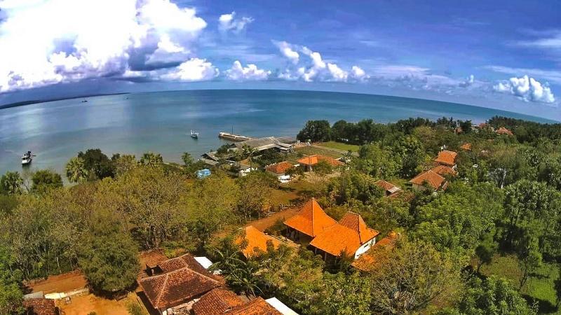 Gili Iyang Pulau Awet Muda Sumenep Okezone Lifestyle Https Img