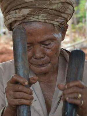 Melancong Gili Iyang Pulau Awet Muda Sumenep Kompas Nenek Berusia