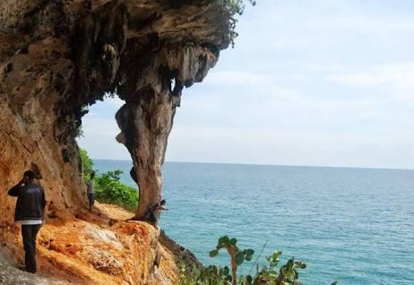 Paket Wisata Gili Iyang Day Pariwisata Sumenep Pulau Oksigen Kab