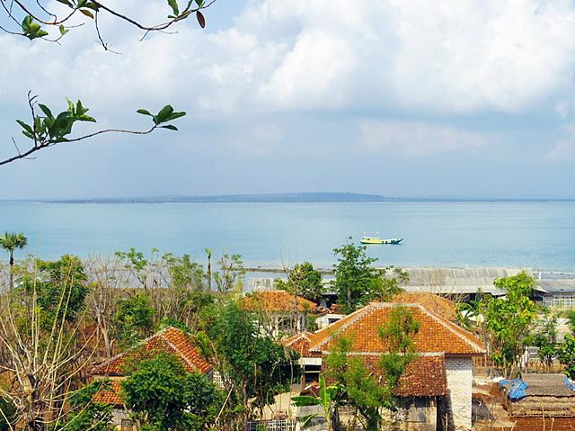 Wisata Sehat Pulau Oksigen Gili Iyang Madura Vemine Terletak Desa