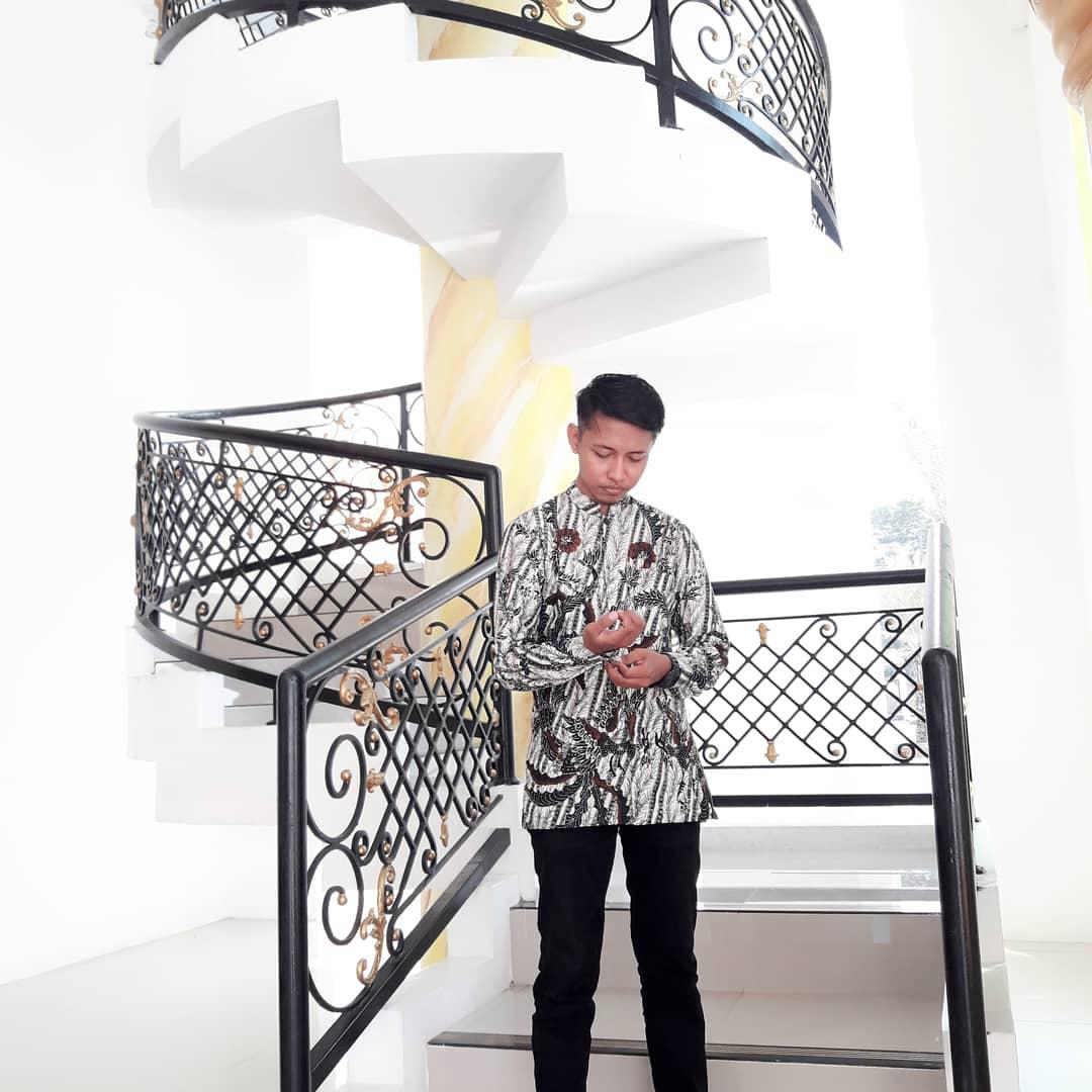 Batiksumenep Hash Tags Deskgram Mamasnya Menggunakan Batik Tulis Madura Batikhasana
