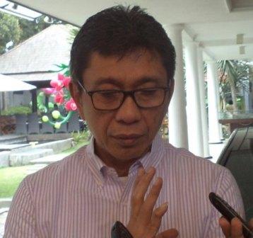 Kunjungi Centra Batik Gus Ipul Belajar Membatik Bareng Pengerajin Birokrasi