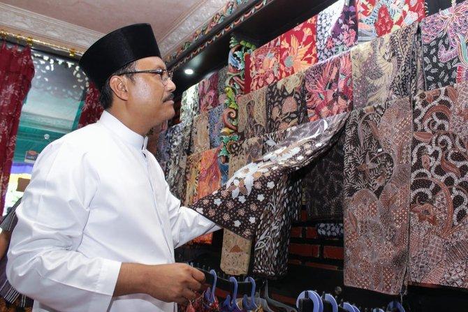 Sapa Sentra Batik Tulis Sumenep Gus Ipul Komitmen Bantu Kunjungi