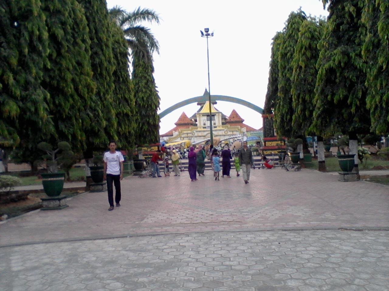 Beny Zone Taman Adipura Sumenep Disebelah Barat Terdapat Pusat Kegiatan