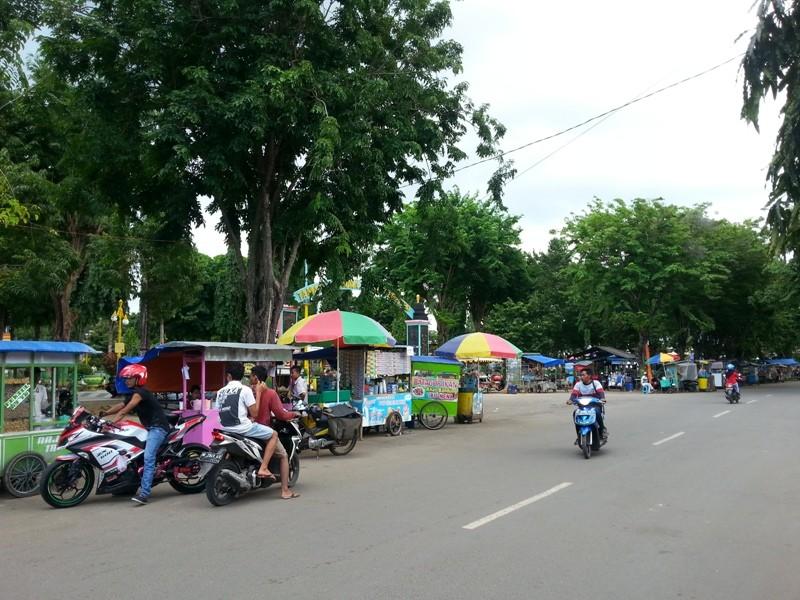 Daerah Dprd Sumenep Minta Ratusan Pkl Taman Adipura Direlokasi Kota