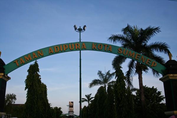 Kota Adipura Religius Gapura Taman Sumenep Kab