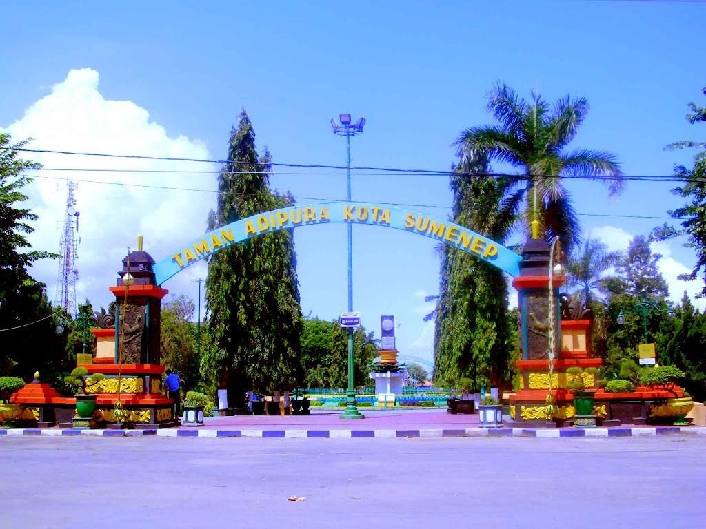 Taman Adipura Sumenep Bhinneka Pariwisata Bus Rent Tours Share Kota