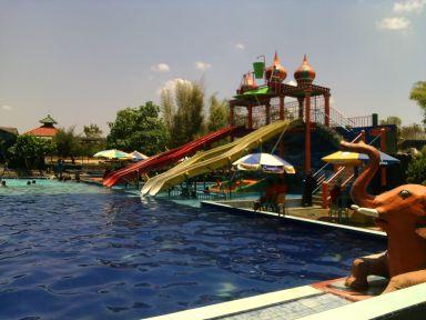 Madura Tourism Dictionary Water Park Sumekar Wisata Buatan Kabupaten Sumenep
