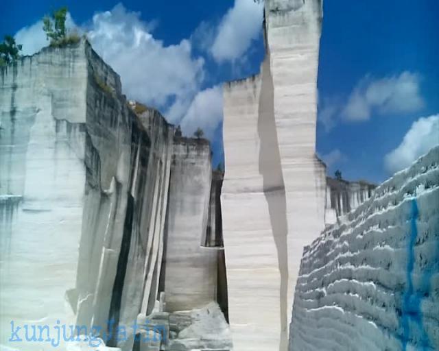 Batu Putih Sumenep Kunjung Jatim Wisata Tambang Kapur Berada Ujung