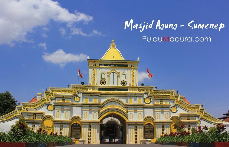 Masjid Jamik Sumenep Kunjung Jatim Wisata Tentunya Mencolok Gerbang Utama