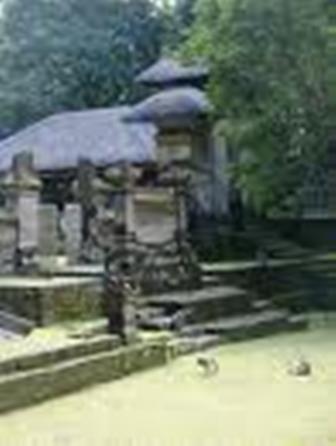 Alas Kedaton Mannaismaya Adventure Blog Front Temple Lot Small Shops