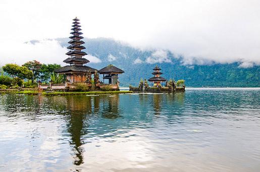 Denny Prastika Nata Bedugul Danau Beratan Letaknya Berdampingan Kebun Raya