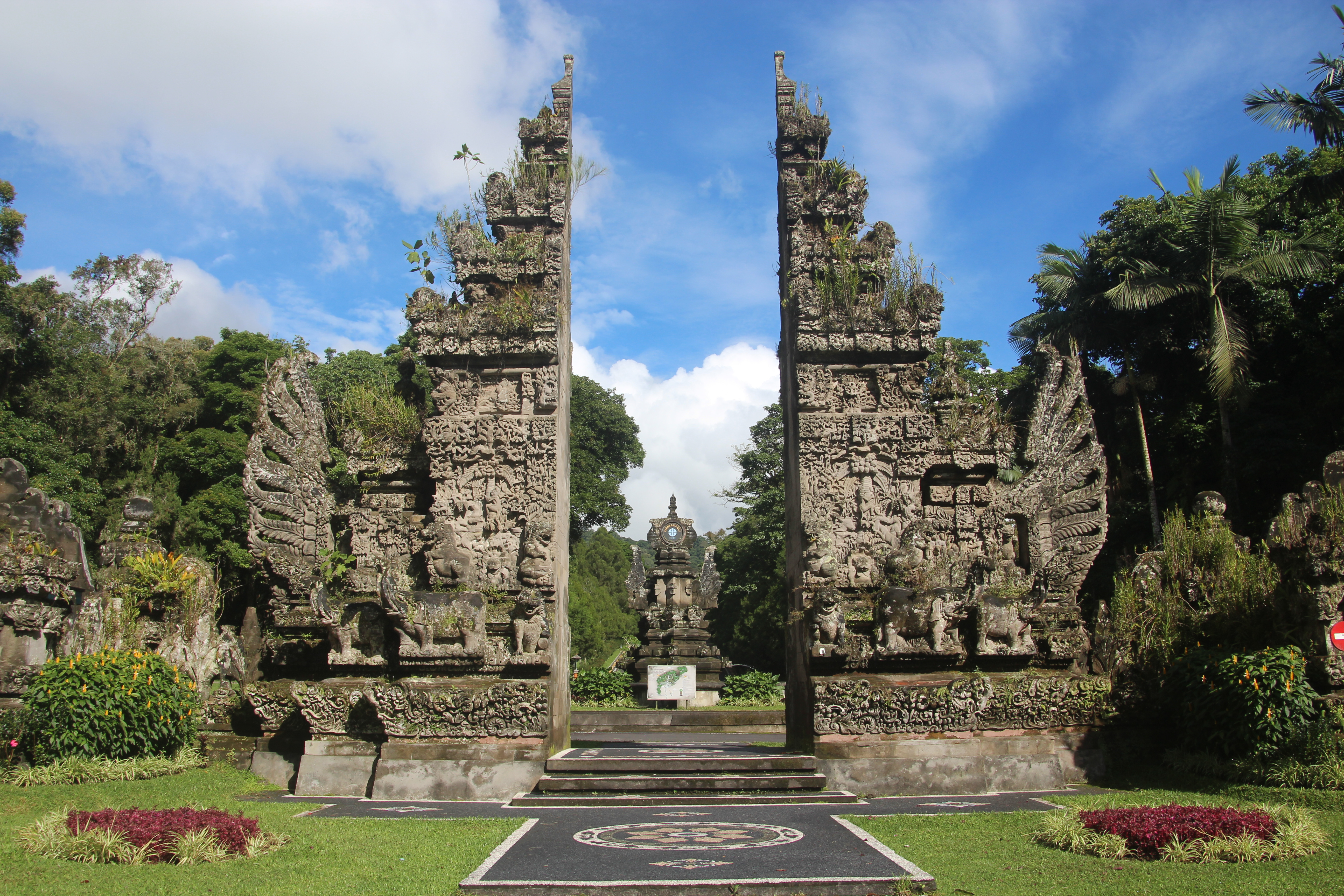 Kebun Raya Bali Wikipedia Bahasa Indonesia Ensiklopedia Bebas Candi Bentar