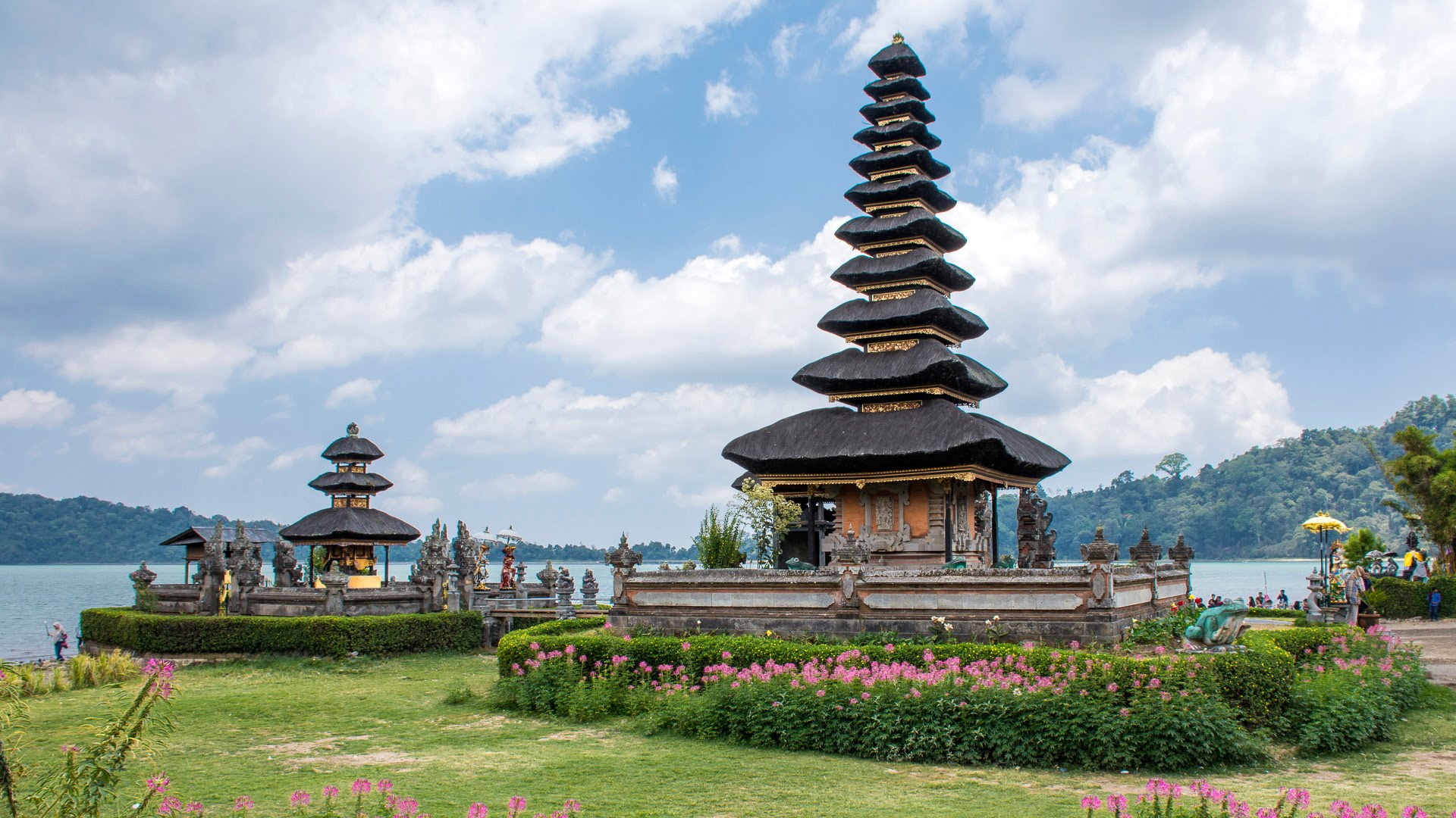 Bali 2015 Pura Ulun Danu Beratan Youtube Bratan Kab Tabanan