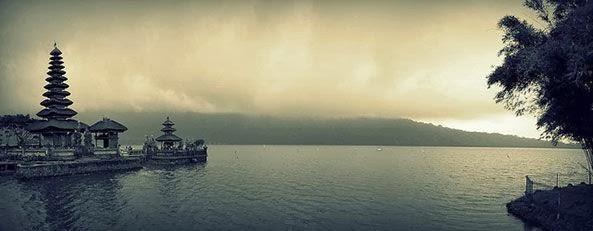 Beratan Lake Tourist Attractions Bratan Bedugul Bali Ulun Danu Temple