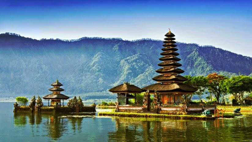 Driver Tours Guide Bali Pura Ulun Danu Beratan Bedugul Danau