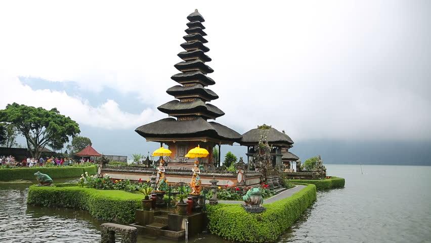 Keindahan Pura Ulun Danu Danau Beratan Bali King Tour Tempat