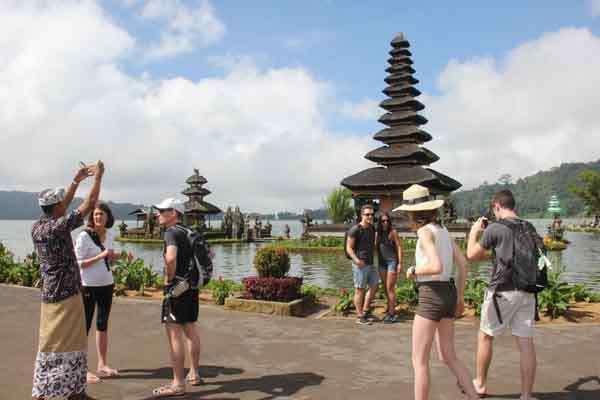 Kunjungan Wisatawan Ulun Danu Beratan Tabanan Naik 26 Kabar24 Denpasar