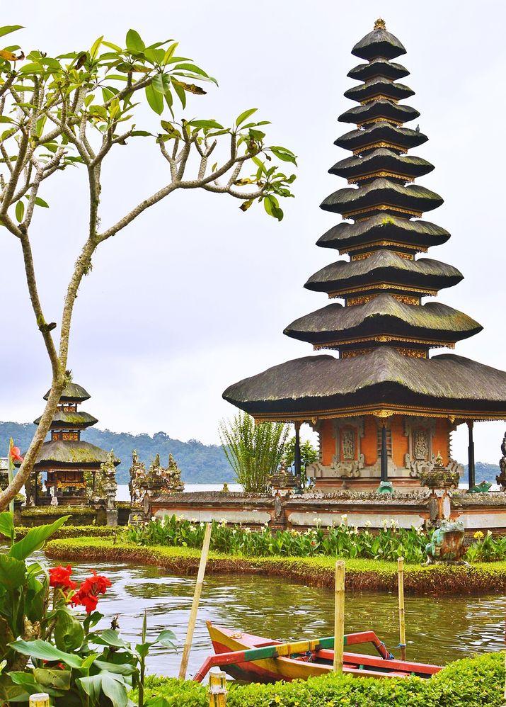 Local Guides Connect Pura Ulun Danu Bedugul Bali Beratan Lake