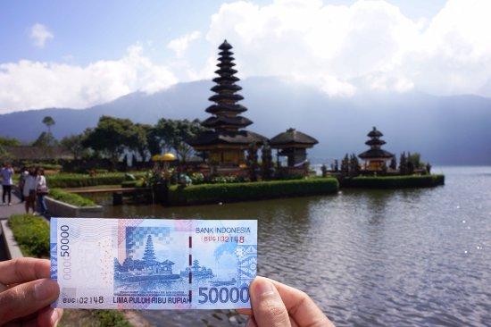 Penampakan Pura Uang Rp 50 000 Picture Ulun Danu Bratan
