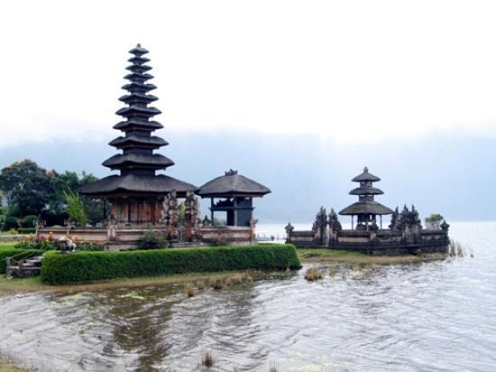 Pura Ulun Danu Bedugul Picture Bratan Temple Tabanan Kab