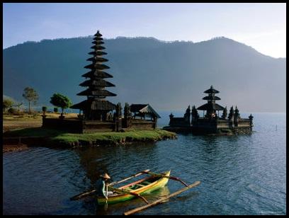 Pura Ulun Danu Beratan Aussie Bali Tours Temple Tabanan Bratan