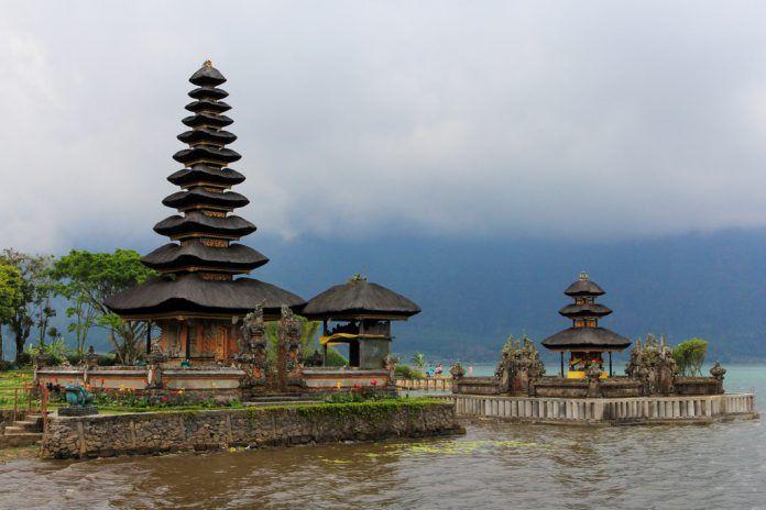 Pura Ulun Danu Beratan Bedugul Kabupaten Tabanan Bali Budaya Bratan