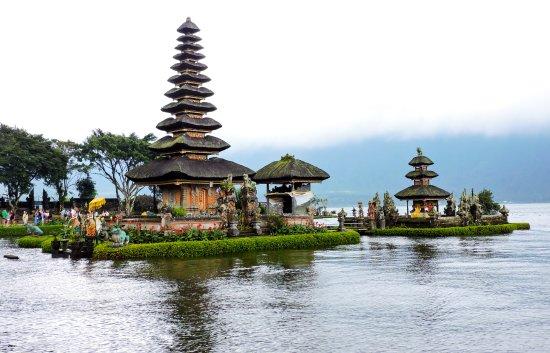 Pura Ulun Danu Beratan Temple Picture Bratan Kab Tabanan
