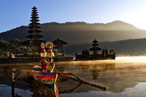 Pura Ulun Danu Beratan Wisata Bali Sekiranya Wisatawan Menginginkan Membeli