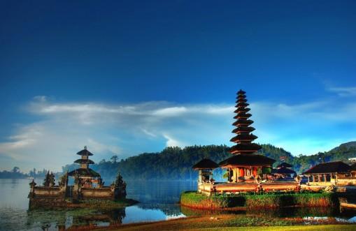 Pura Ulun Danu Beratan Wisata Bali Terletak Bedugul Tabanan Tempat