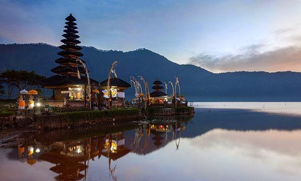 Pura Ulun Danu Danau Beratan Bratan Bedugul Bali Kumpulan Kesehatan
