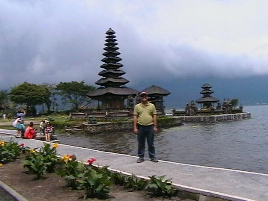 Top 10 Ulun Danu Bratan Temple Tabanan Vihara Mahavira Bedugul