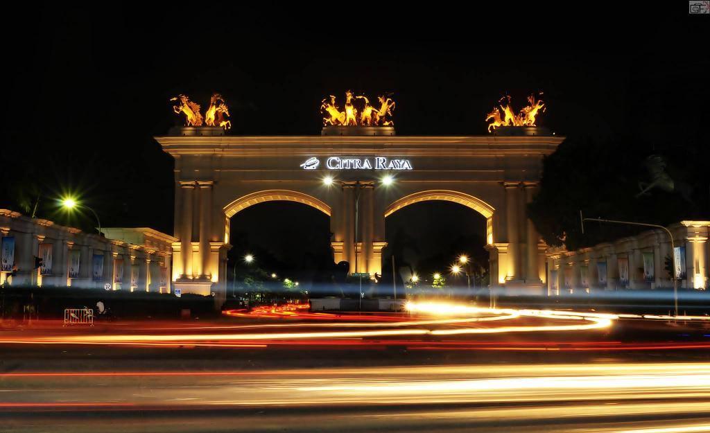 Living Harmony Fun Citraraya Tangerang Main Gate Night Dunia Air