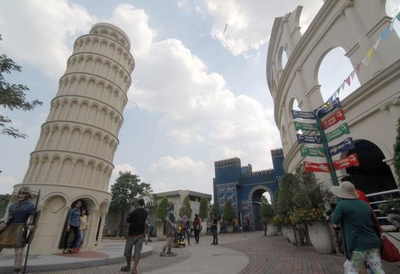 Pesona Keindahan Wisata World Wonders Citra Raya Cikupa Tangerang Banten