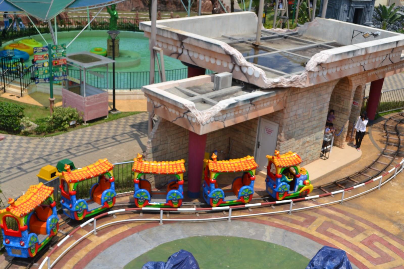 World Wonders Theme Park Citra Raya Cikupa Tangerang Kereta Monian