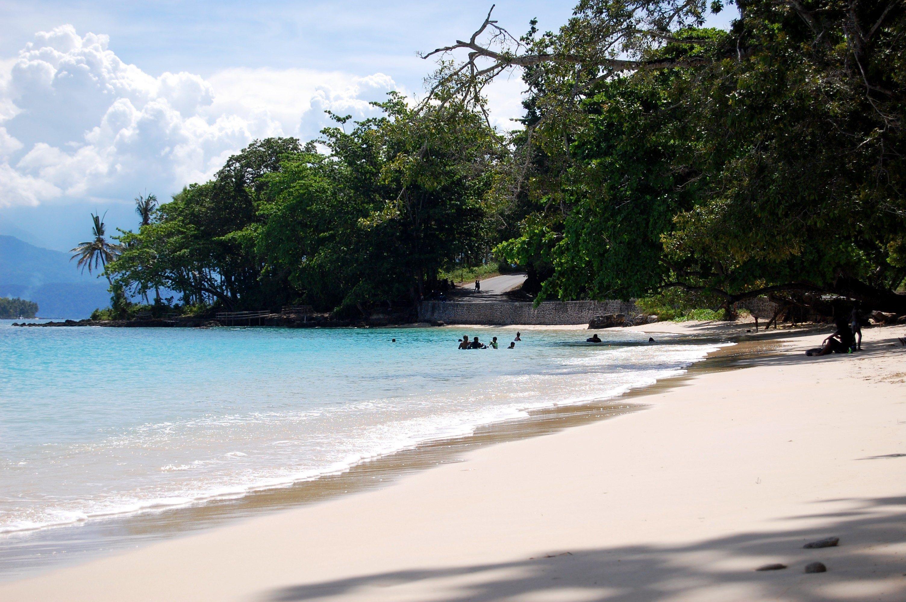 Limakaki Keindahan Keeksotisan Pantai Pasir Putih Situbondo Tanjung Burung Kab