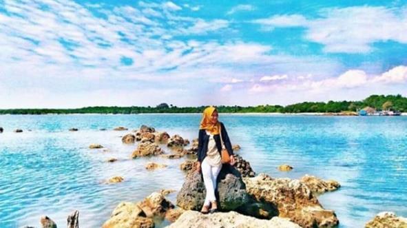 Rute Harga Tiket Masuk Pantai Tanjung Lesung Pesona Burung Kab
