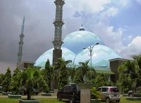 Daftar Tempat Wisata Tangerang Keren Terbaik Masjid Al Zhom Petualangan