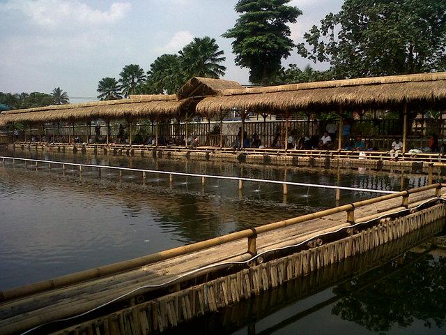 Pesona Wisata Air Waterpark Daerah Tangerang Banten Saung Pulau Saiji