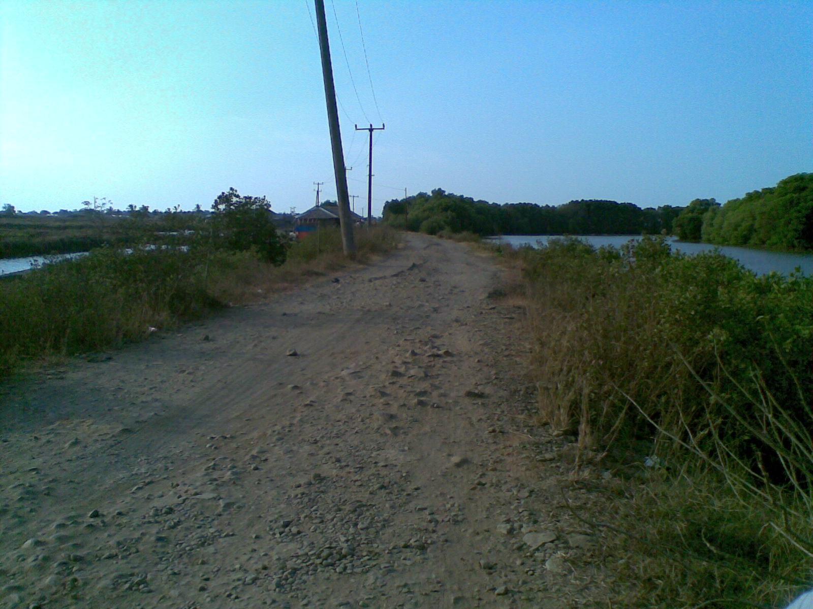 Pulau Cangkir Antara Tiada Oleh Cakra Inderasena Jalan Rusak Berbatu