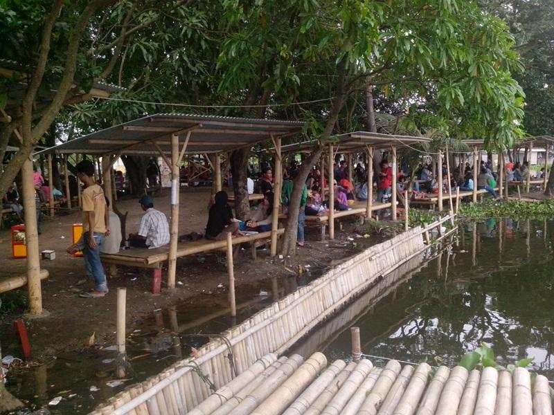 Cipondoh Wisata Air Dikelola Baik World Saung Pinggir Kab Tangerang