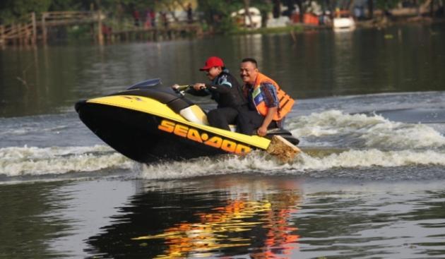 Festival Tangerang Bersih Digelar Cipondoh Sachrudin Irman Pujahendra Bermain Jetksi