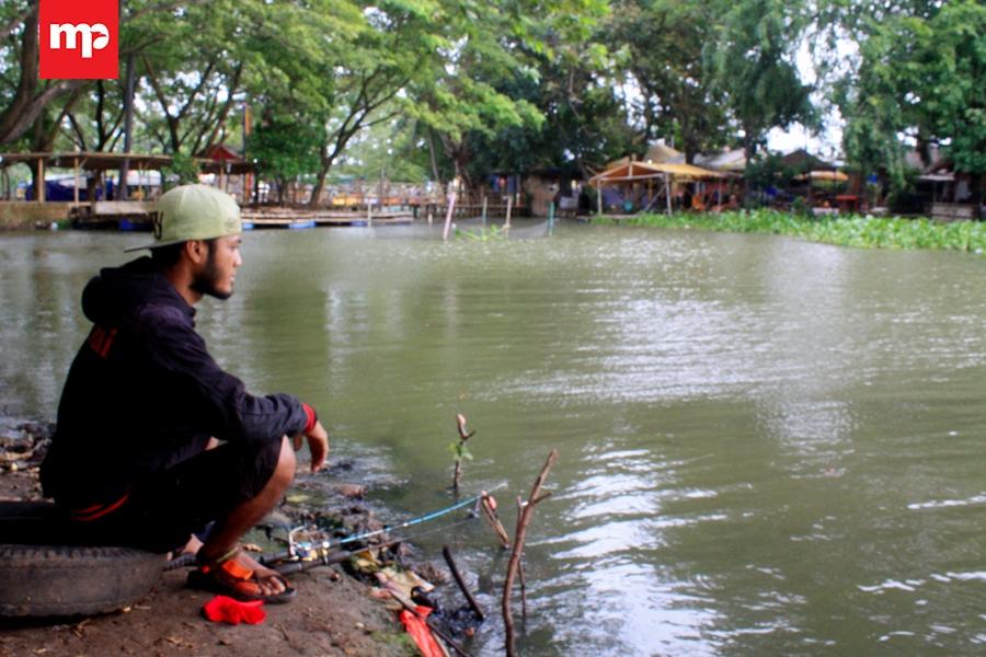 Misteri Buaya Putih Ular Bermustika Penunggu Rawa Cipondoh Kab Tangerang