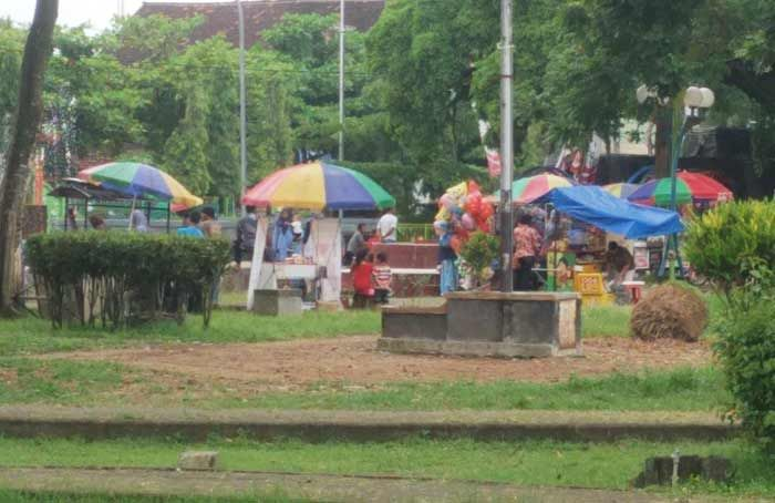 Alun Trenggalek Mulai Dipadati Pedagang Gerindra Usulkan Dua Tempat Relokasi